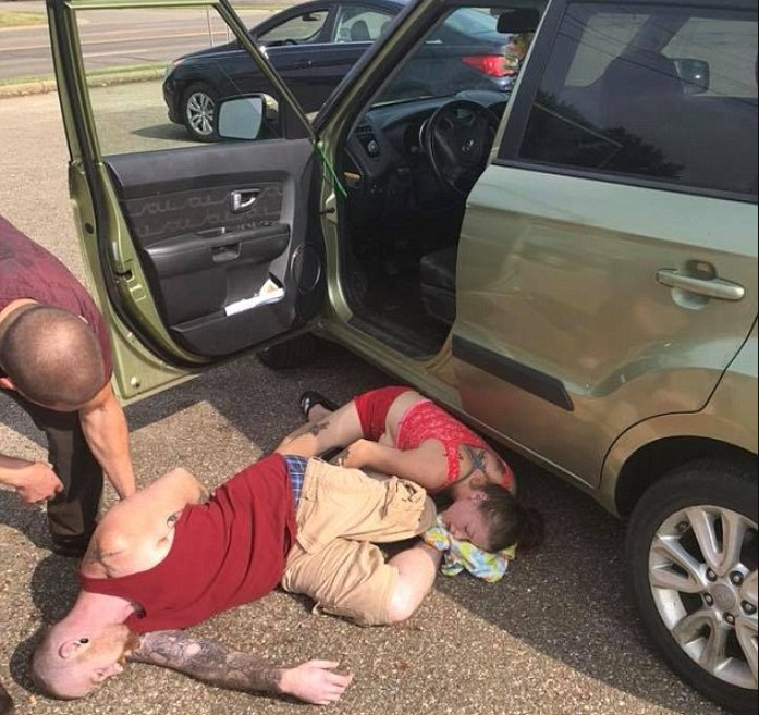 couple rescues baby