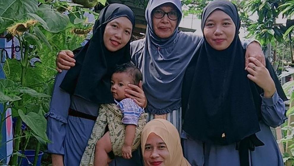 Treni y Trena, las gemelas indonesias que se han reencontrado 24 años después gracias a TikTok