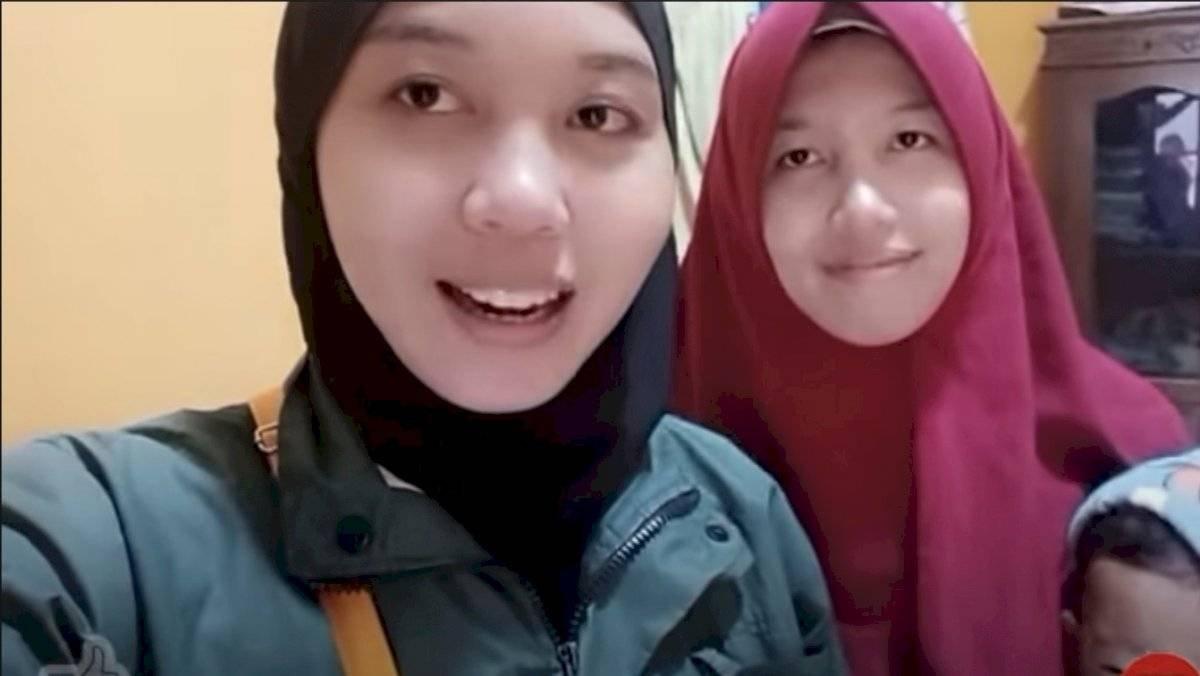 Unidas por TikTok: gemelas indonesias se reencuentran tras 24 años de separación - 15 minutos