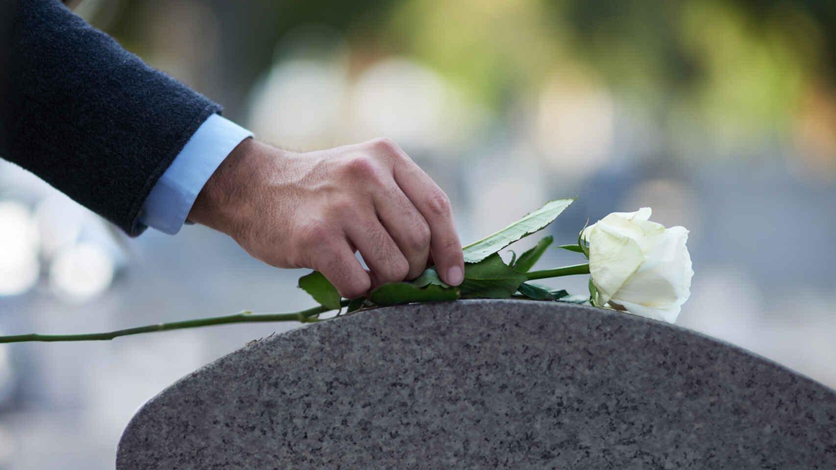 14 años yendo a funerales para gorronear comida en los velatorios