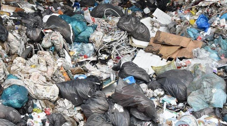 Encuentran un bebé muerto entre la basura de una planta de residuos | Diari de Tarragona