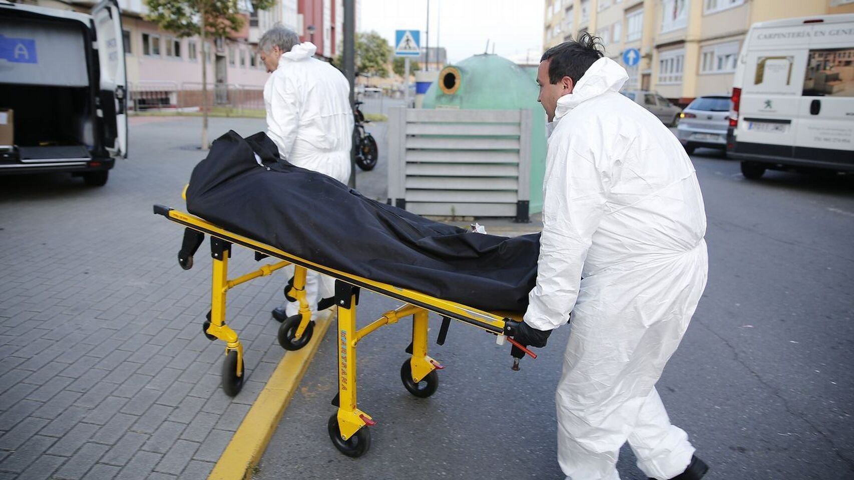 Santiago, dos años muerto en el sillón de su salón: las momias olvidadas del siglo XXI