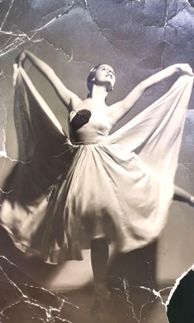 """Ex bailarina de ballet con Alzheimer se emociona y recuerda al escuchar la melodía de """"El lago de los Cisnes"""" – En Desacuerdo"""
