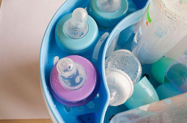 Cómo esterilizar biberones de plástico correctamente   Cocina Vital