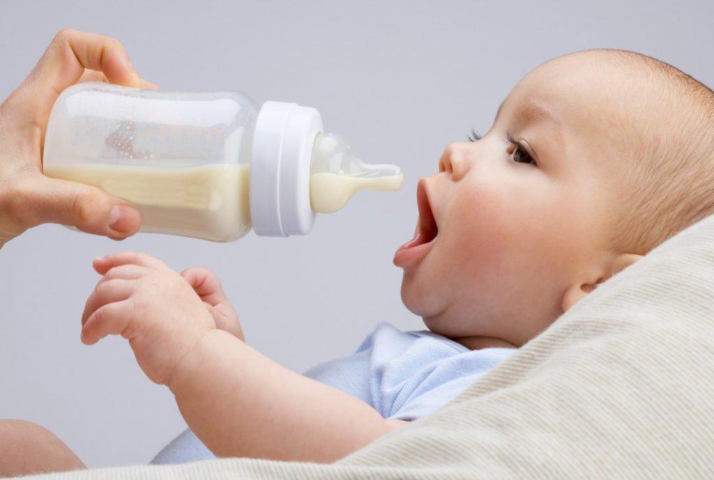 Tipos de biberones para bebés   Carethy