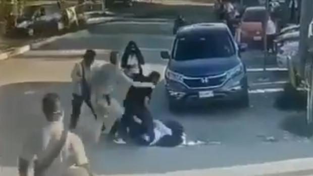 Un hombre mata por error a la persona equivocada al creer que era el violador de su hija