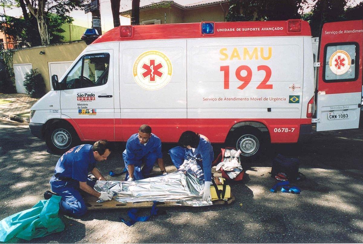 Ambulancia - Wikipedia, la enciclopedia libre
