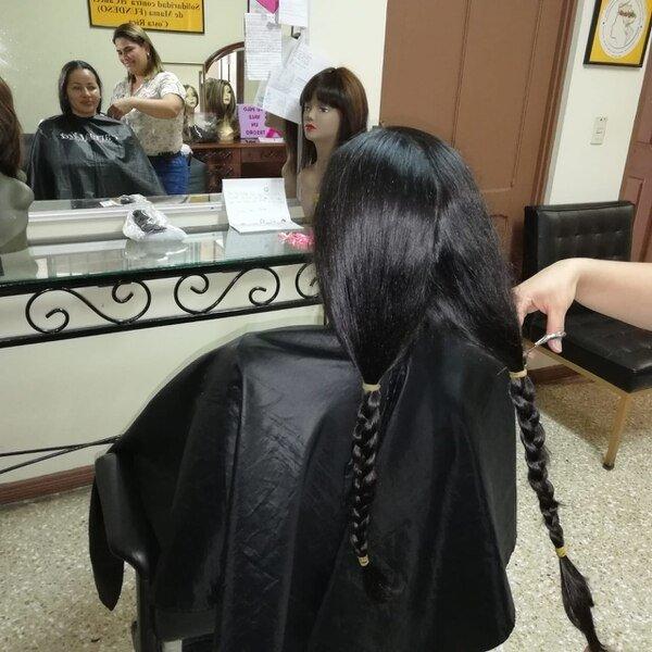 Video) El pelo es un dios que se transforma en amor - La Teja