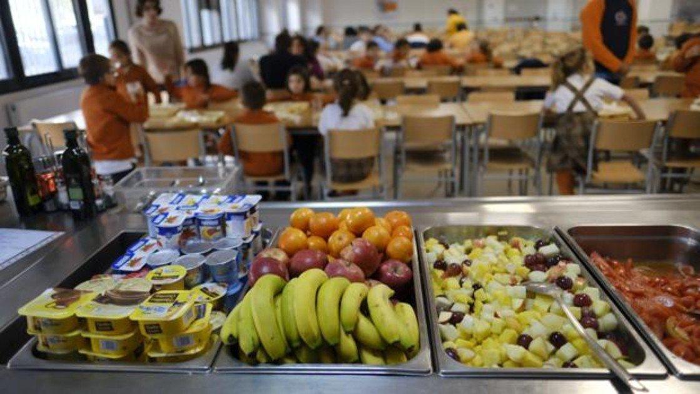 Esto es lo que tu hijo come en el comedor escolar y no debería