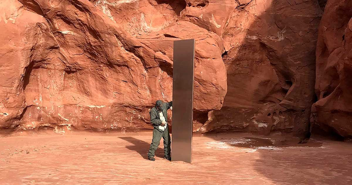 d7bbab6a 45f6 4563 ae30 077fa00725ff ap mysterious monolith.jpg?resize=412,275 - Tourists Track Down Mysterious Monolith Found In Utah Desert