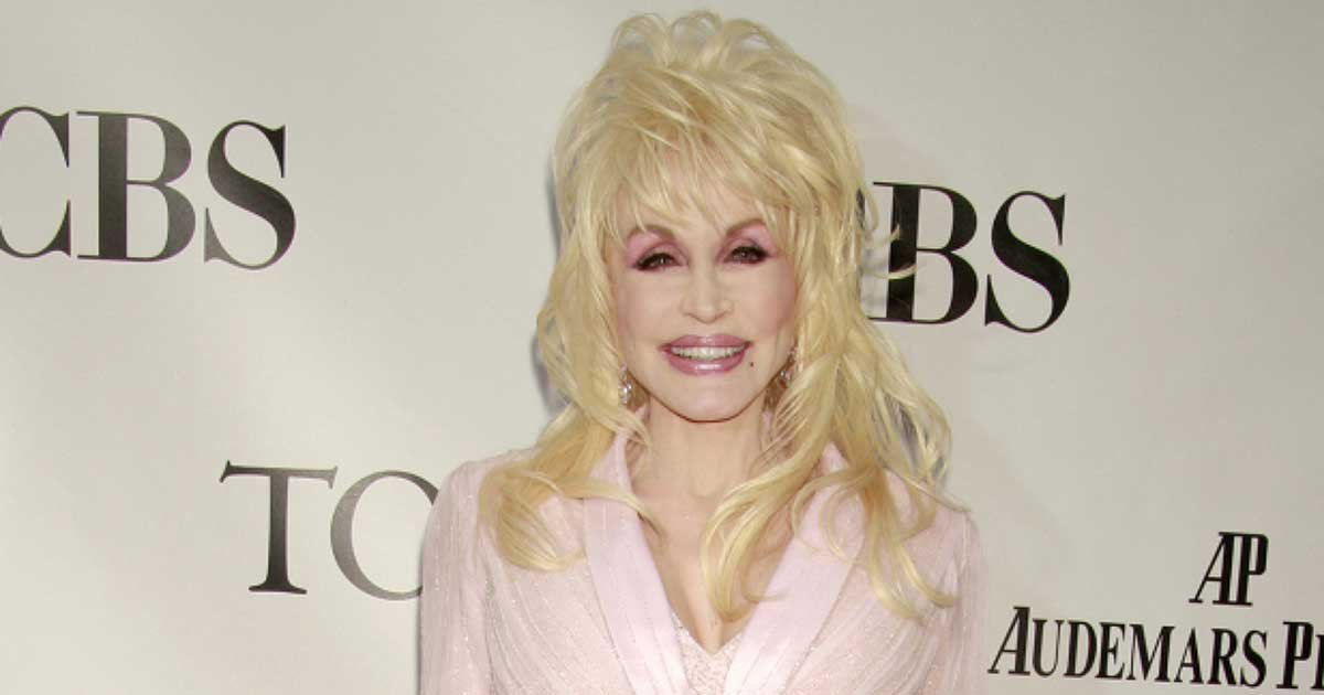 dolly parton 150333.jpg?resize=1200,630 - Dolly Parton's $1M Donation Helped Fund COVID-19 Vaccine Research