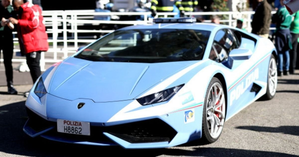 getty images 15.jpg?resize=1200,630 - Police Delivered A Kidney 300 Miles Away In Just Two Hours Driving A Lamborghini