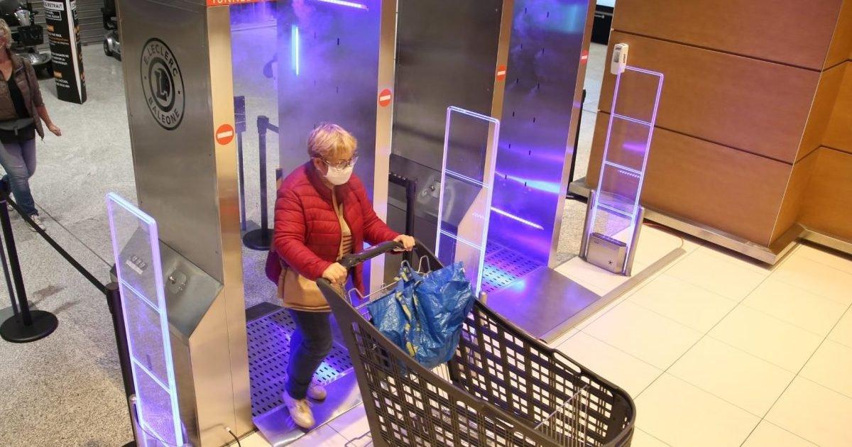 """rtl e1605109831718.jpg?resize=1200,630 - Covid-19 : Bientôt des """"tunnel de désinfection"""" dans les supermarchés ?"""