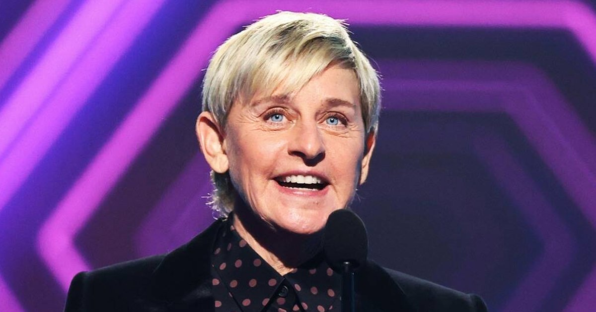 "sfsdfsf.jpg?resize=412,232 - Ellen DeGeneres Wins Daytime Talk Show And Honors ""Amazing"" Staff At E! People's Choice Awards"