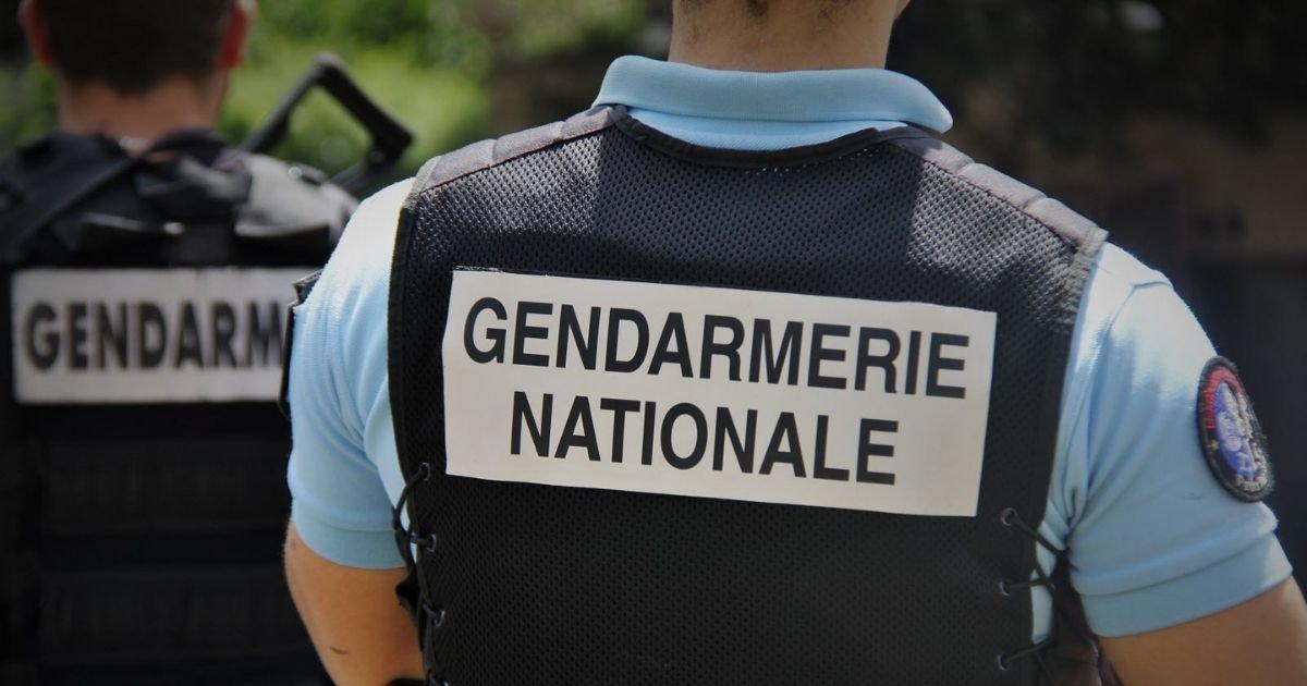 vonjour10 1.jpg?resize=1200,630 - En plein confinement, les gendarmes interviennent pour mettre fin à une fête chez un policier