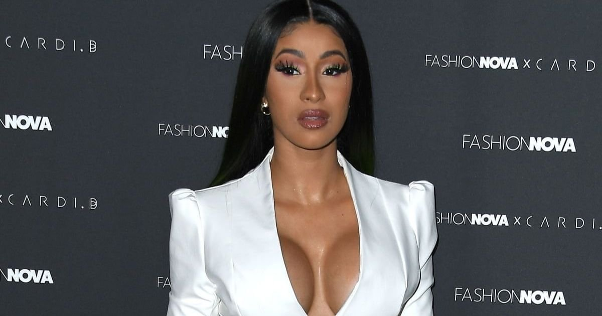 1 11.jpg?resize=412,275 - Cardi B Apologizes Following Backlash For Hosting 37 People Over Thanksgiving