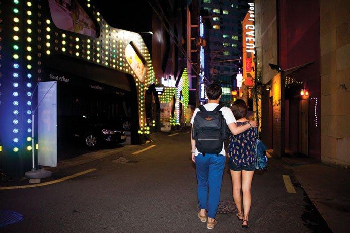 금요일 밤 모텔촌 모습 | 짤방-이전자료5 | 일베저장소