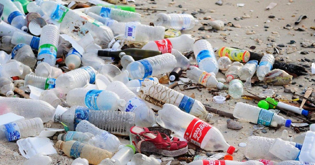 8 plastique.jpg?resize=412,232 - Quelles sont les entreprises les plus polluantes au plastique en 2020 ?