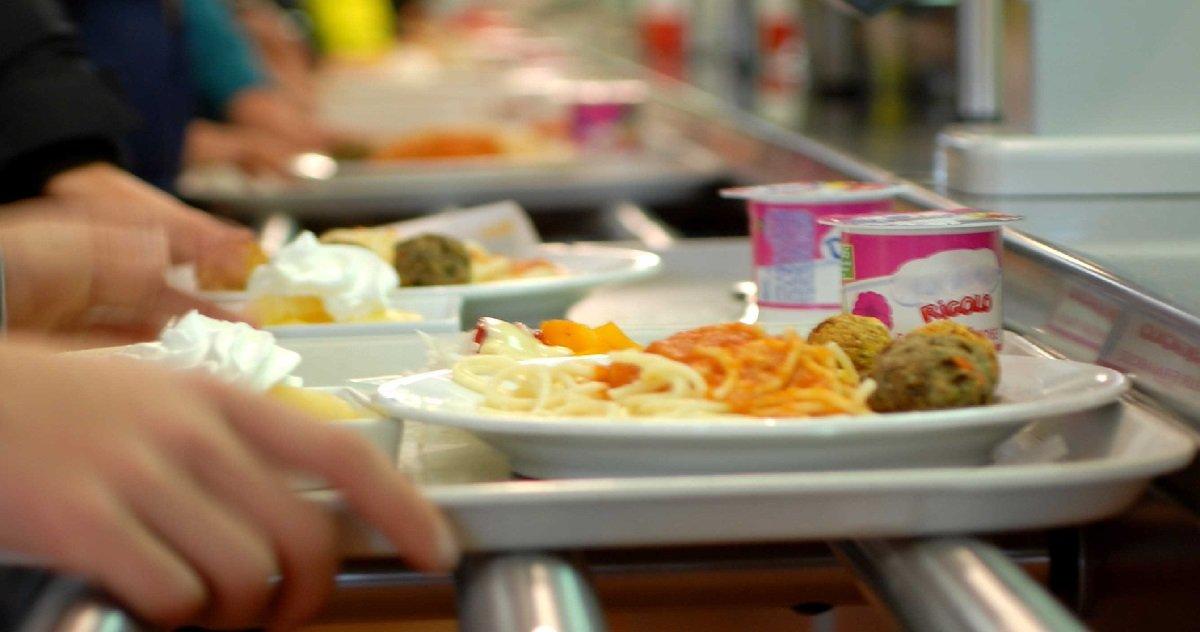 9 cantine.jpg?resize=1200,630 - Selon le Conseil d'État, les menus sans porc à la cantine ne contreviennent pas à la laïcité