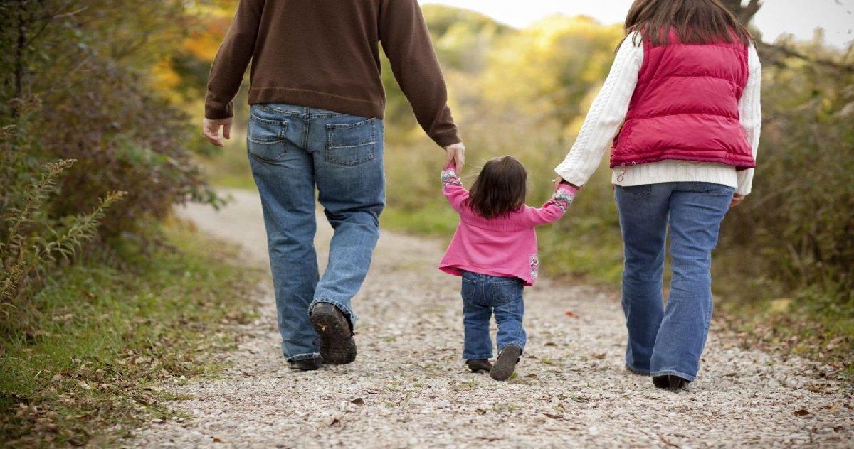 ad.jpg?resize=412,232 - L'Assemblée nationale donne son feu vert pour l'adoption par les couples non mariés