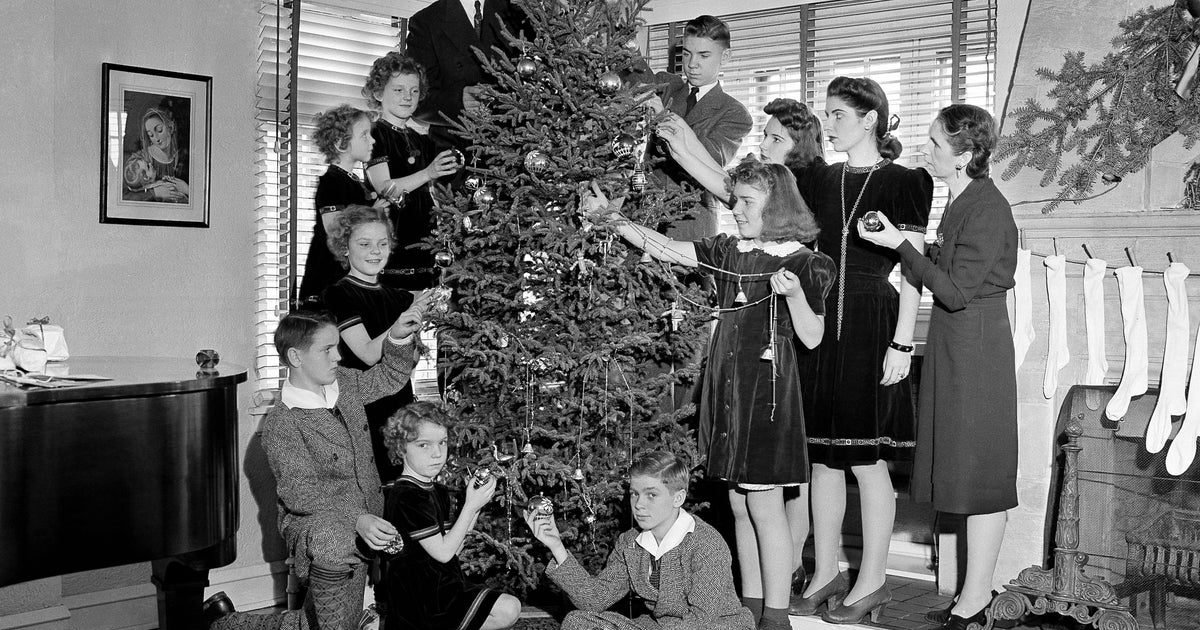 d456d9d2 3d01 4a38 8213 fb289ed8b972 e1608662189228.jpg?resize=1200,630 - Noël d'autrefois : découvrez 10 photos nostalgiques