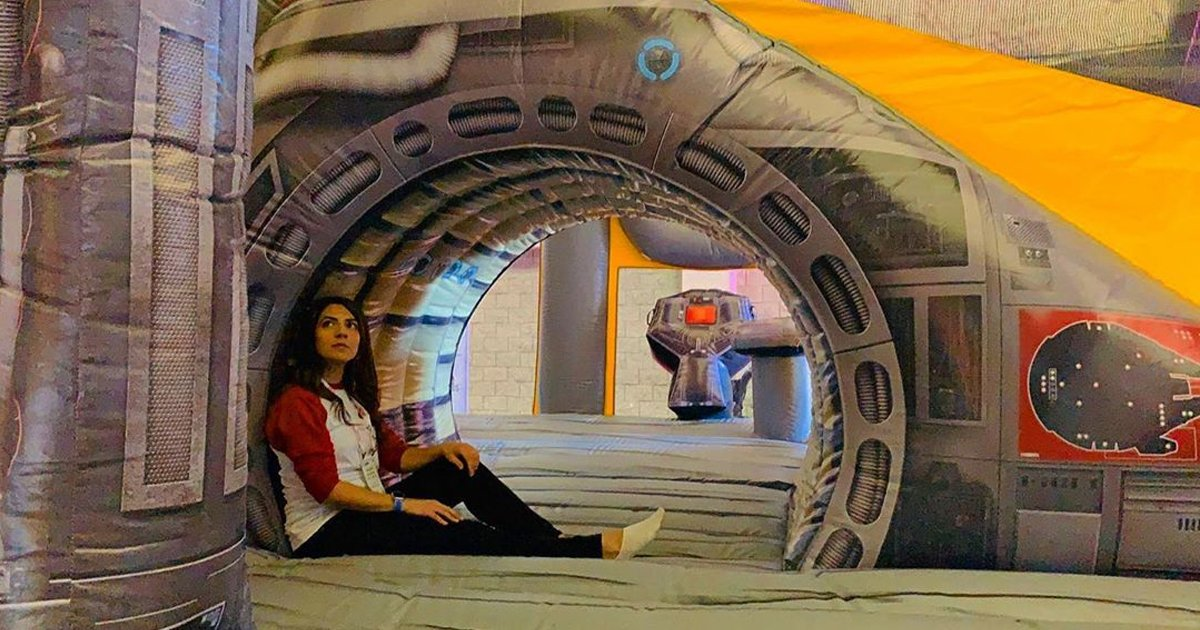 fffd.jpg?resize=412,232 - Is The Life-Size Millennium Falcon Inflatable Really Worth $10,000?