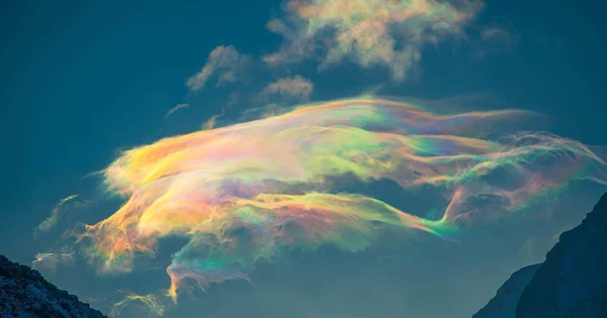 siberia clouds svetlana kazina 8 1 e1606761345340.jpg?resize=412,232 - Un incroyable nuage arc-en-ciel capturé en Sibérie