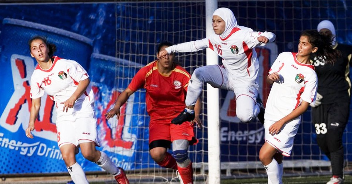 wewewe.jpg?resize=1200,630 - Ever Wondered What's A Hijab In Soccer? This Heartwarming Story Says It All