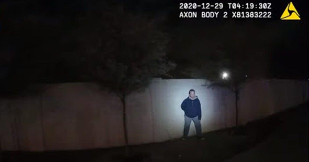 1 124.jpg?resize=1200,630 - Publican Video De Cómo 5 Oficiales Aniquilan A Tiros A Un Hombre Que Simulaba Tener Un Arma