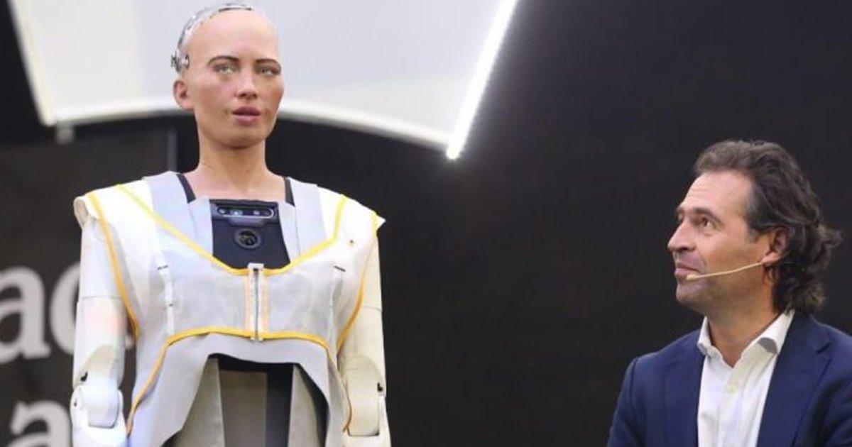 1 175.jpg?resize=1200,630 - Robot Sophia Que 'Prometió Aniquilar A La Humanidad' Será Producido En Masa Durante La Pandemia