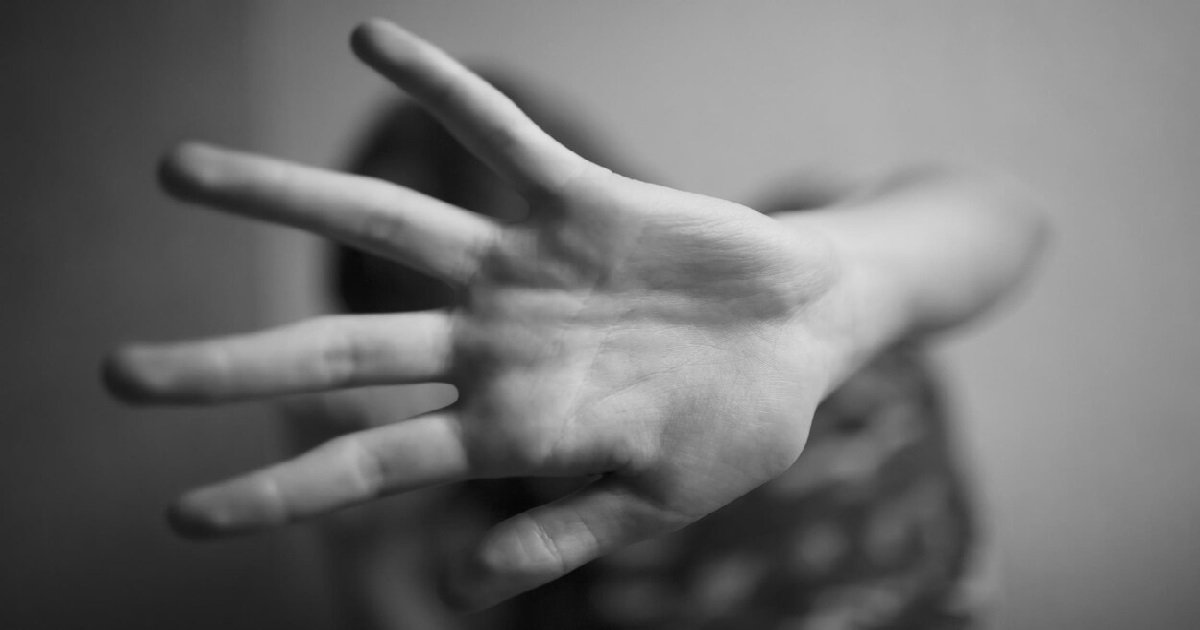 2 pakista.jpg?resize=412,232 - Une fille de 12 ans a été enlevée, enchaînée dans un enclos à bétail et violée pendant 5 mois