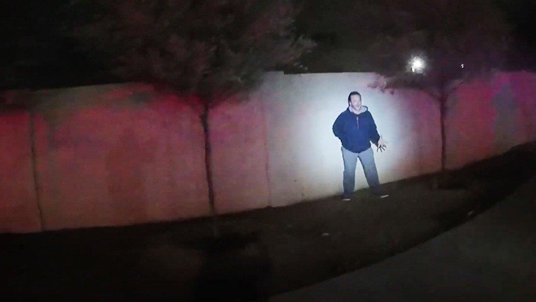 EE.UU.: Policía publica un video de cómo 5 oficiales mataron a tiros a un  hombre que simulaba tener un arma - RT