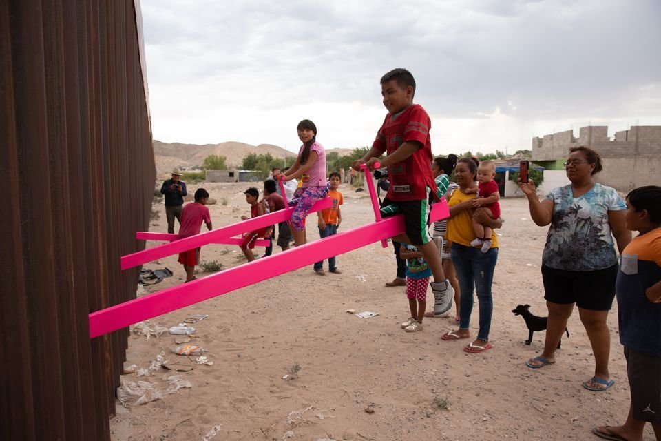 Seesaw installation at US-Mexico border wins Design of the Year award | The Art Newspaper