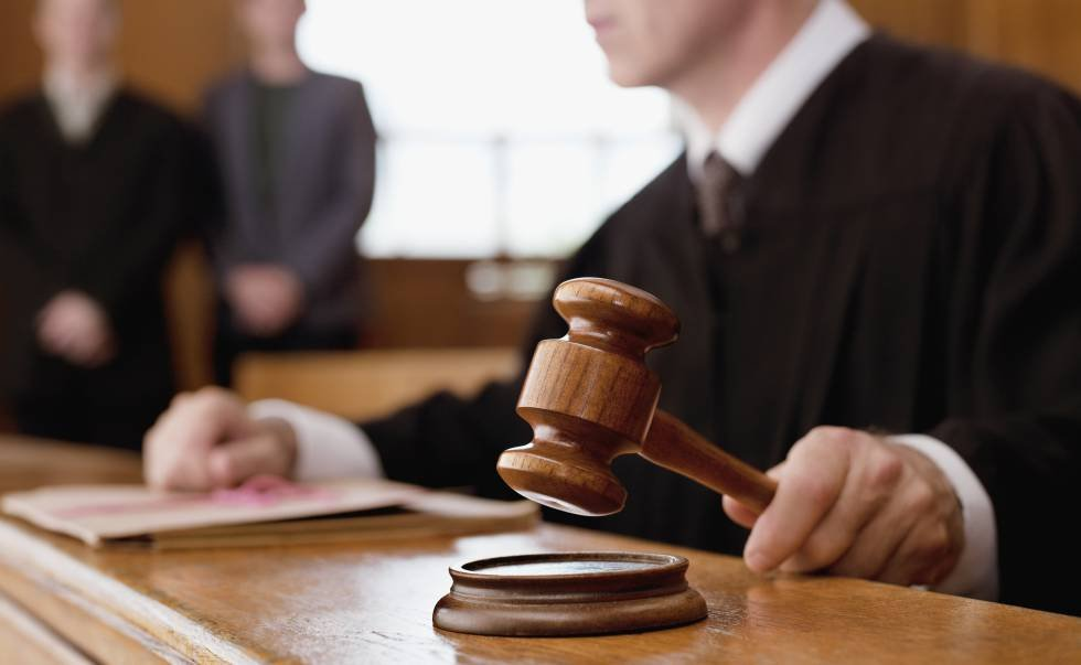 Un perito, condenado a pagar 13.400 euros por desdecirse de su informe en el juicio | Legal | Cinco Días