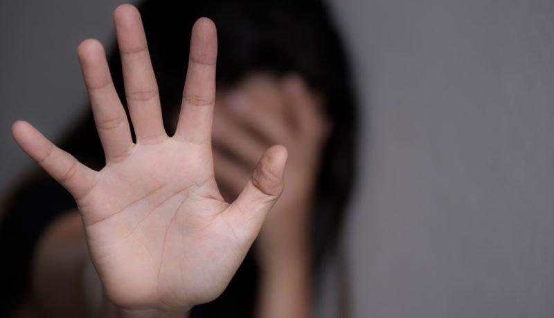 Un hombre es acusado de violar a su hija con el consentimiento de la madre  y la abuela - Radio Mitre