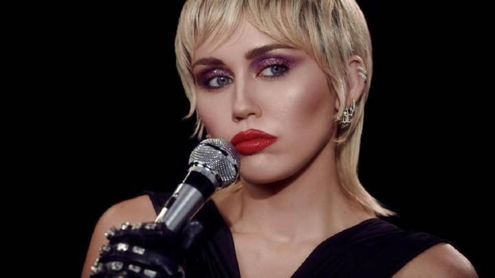 Miley Cyrus, soltera de nuevo, habla sobre cómo perdió la virginidad - AS.com
