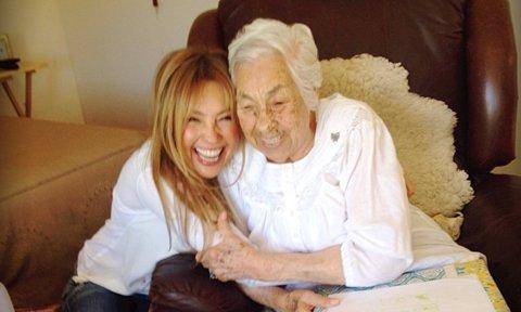 La abuela de Thalía está delicada de salud