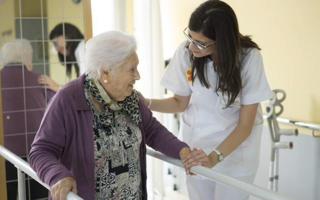 Las residencias de ancianos en Murcia necesitan reforzar las plantillas de enfermeras para poder dar atención sanitaria y asistencial a 4.000 mayores en la Región - La Opinión de Murcia