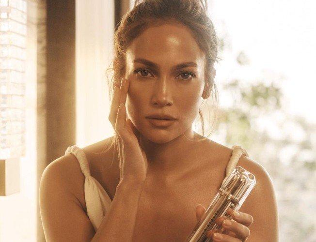 JLO Beauty, Jennifer López lanza su propia marca de cosmética