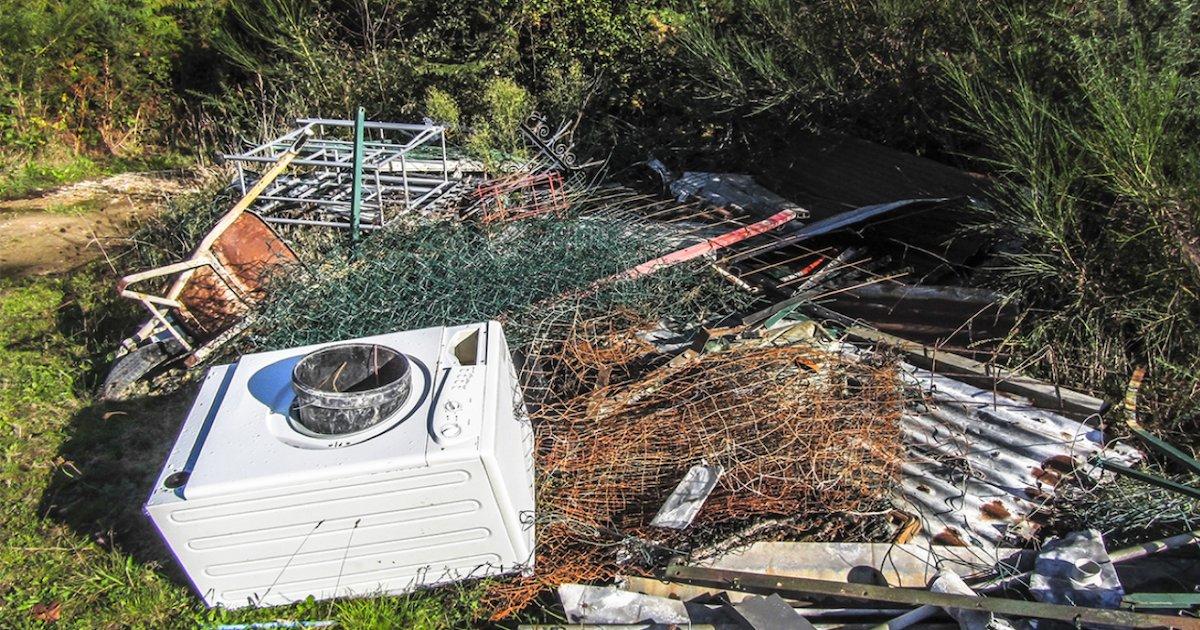 depot sauvage.png?resize=412,232 - Oise : un maire renvoie 10t de déchets déversés par un homme dans la nature à son domicile