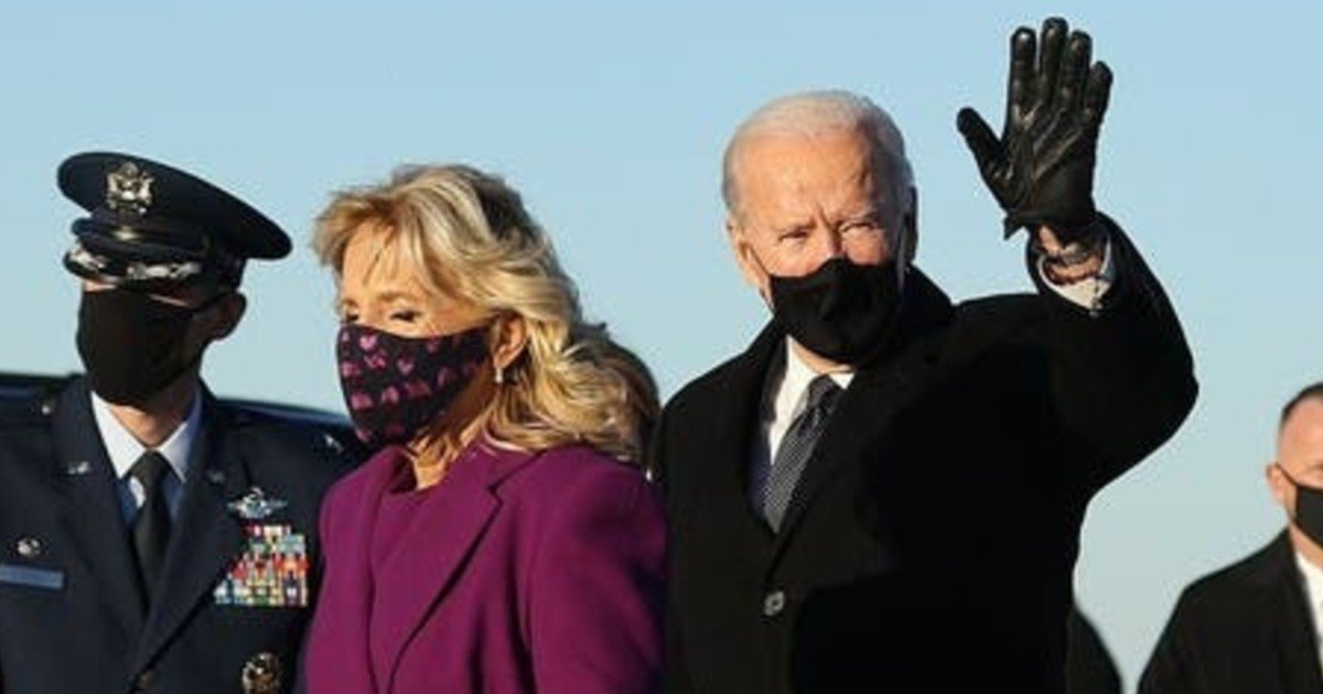e18486e185aee1848ce185a6 2020 10 12t014402 116 6.jpg?resize=412,232 - Biden And Family Arrive In Washington DC On Charter Plane After Trump Refused To Send Them A Government Plane