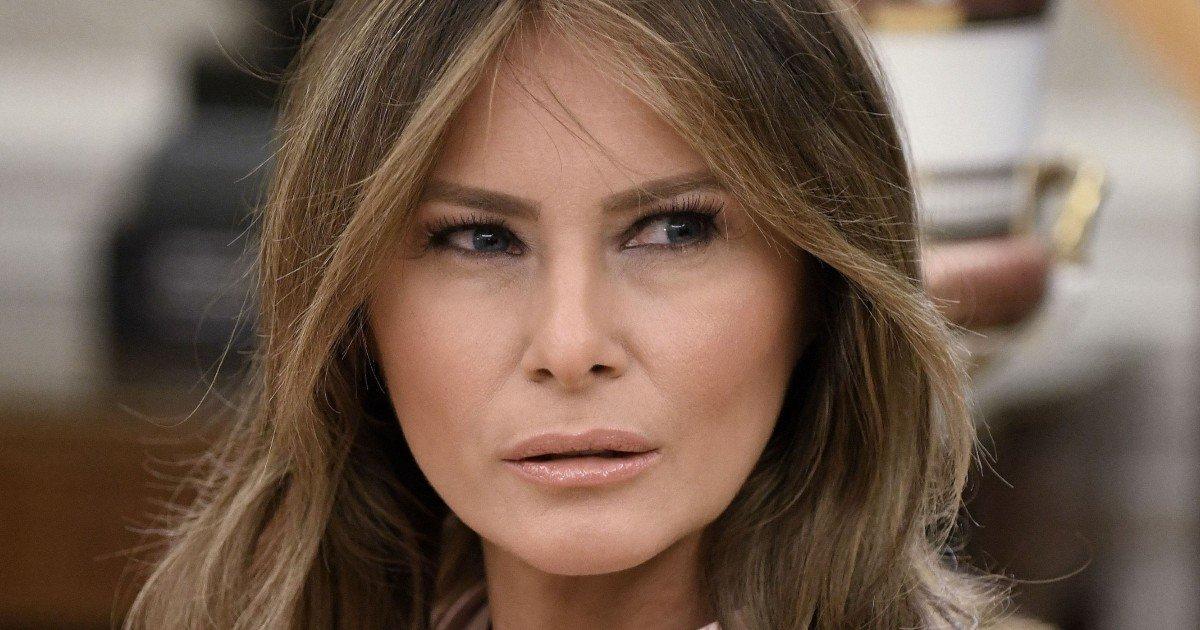 fgsdgsg 1 3.jpg?resize=1200,630 - Melania Breaks Decades Of Tradition By Snubbing Jill Biden From White House Tour