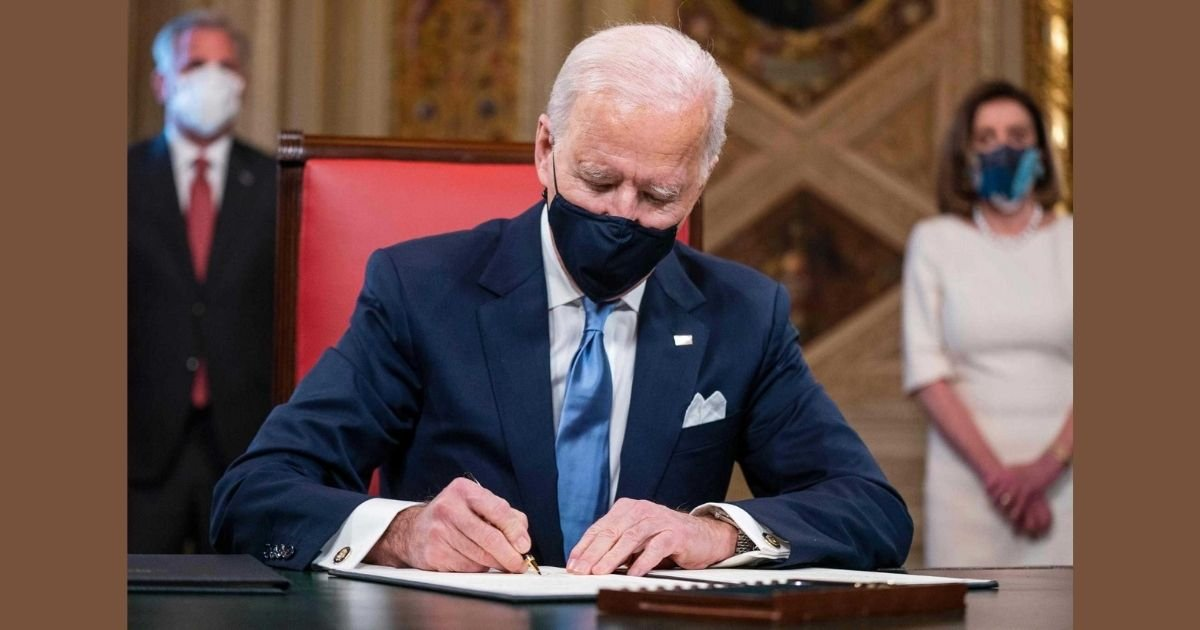 jim lo scalzo credit poolafp via getty images.jpg?resize=412,232 - US President Joe Biden Suspends Federal Oil And Gas Permits