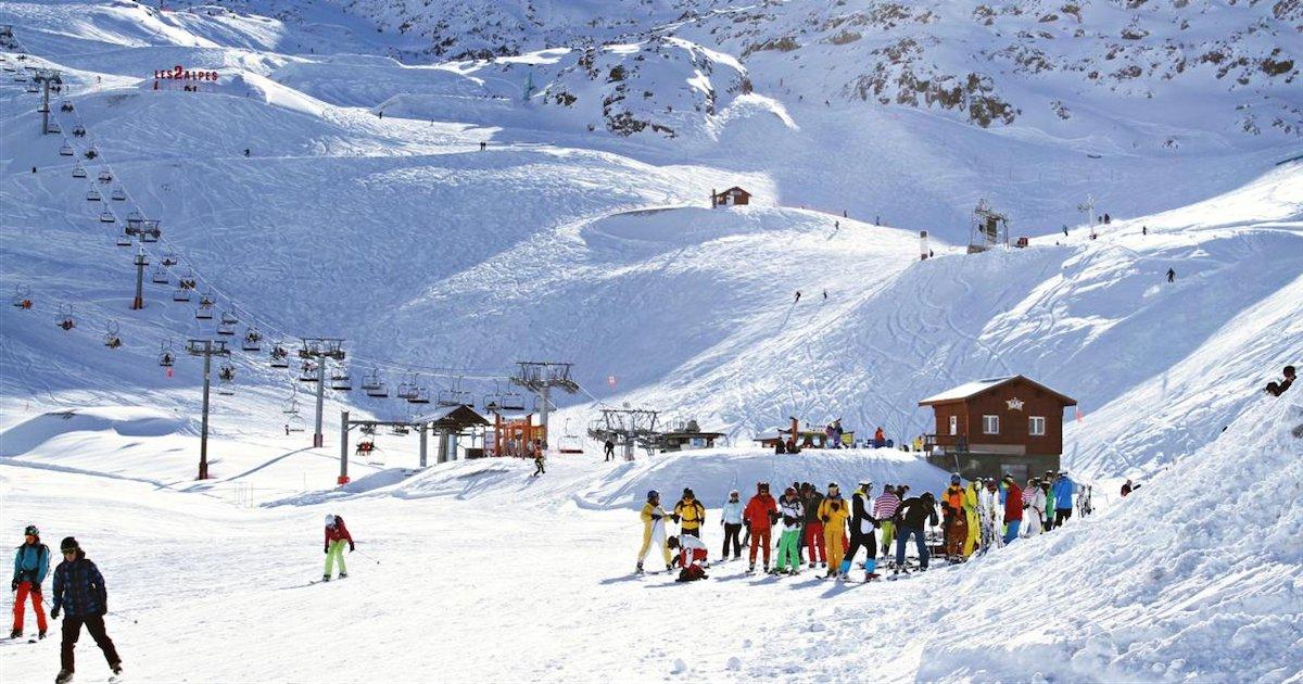 stations de ski.png?resize=1200,630 - Les professionnels de la montagne exigent la réouverture immédiate des remontées mécaniques