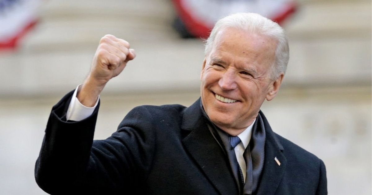 untitled design 9 9.jpg?resize=412,232 - Joe Biden Approves New White House Logo After Thirty Attempts To Revamp The Old Design