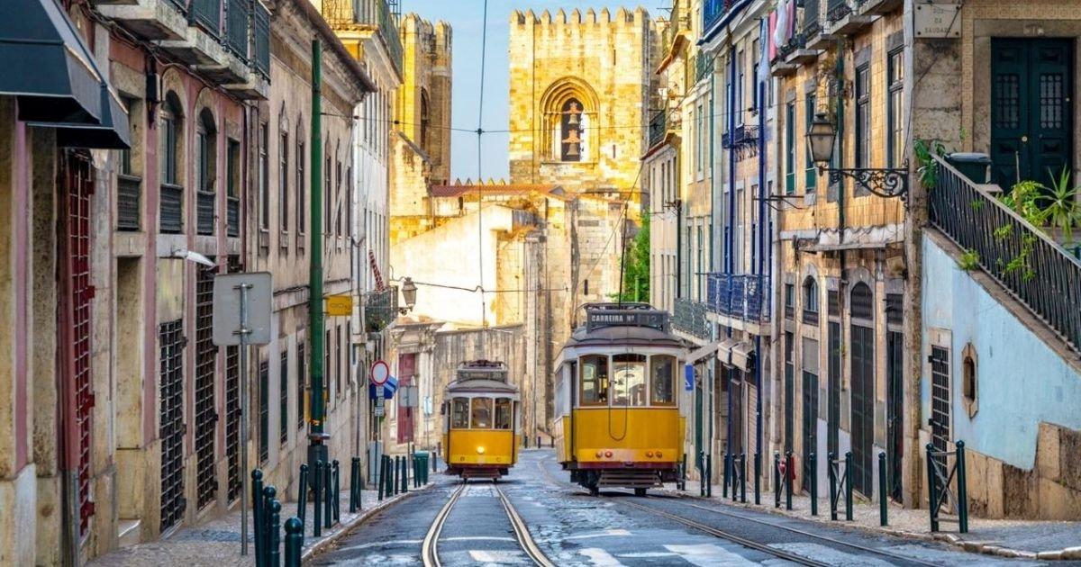vonjour8 2.jpg?resize=1200,630 - Portugal : le pays se reconfine face à la flambée des cas