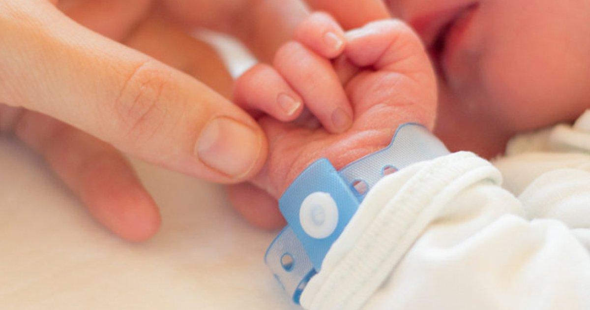 1 117.jpg?resize=1200,630 - Doctor Vende A Bebés Recién Nacidos Porque Sus Padres No Podían Pagar Las Facturas Médicas