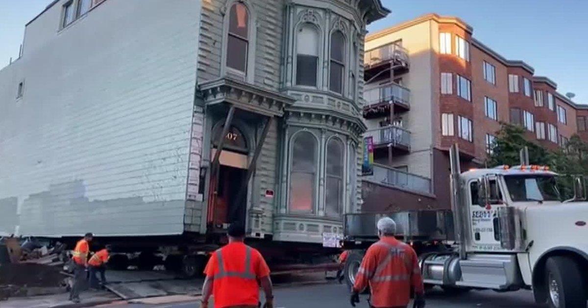 1 182.jpg?resize=412,232 - Hombre Se Muda De Barrio Y Decide Llevarse En Camión Su Casa De 139 Años De Antiguedad