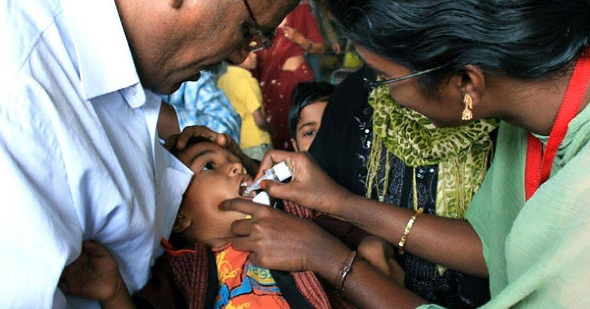 1 27.jpg?resize=1200,630 - Hospitalizan A Unos Doce Niños Tras Confundir La Vacuna Contra La Polio Con Desinfectante