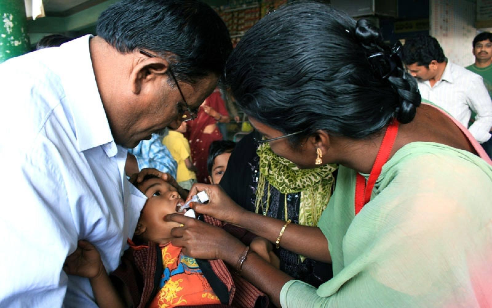 El antes y el después en la India tras la erradicación de la polio.